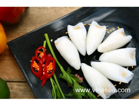 8-frozen-blanching-squid-stuffed-with-sticky-rice-1024x682